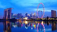絵画風 壁紙ポスター (はがせるシール式) シンガポール 夕暮れ 夜景 パノラマ マリーナ・ベイ キャラクロ SGP-006S1 (1024mm×576mm) 建築用壁紙+耐候性塗料 インテリア