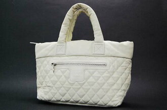 Chanel Coco cocoon ソフトキャビアスキン quilted tote bag ivory beauty products fs3gm
