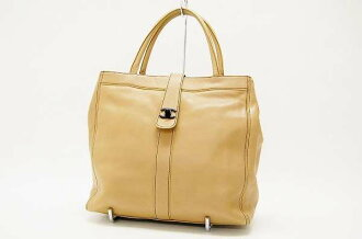 Chanel calfskin tote bag beige