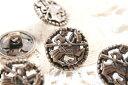 1個〈ドイツ製ボタン〉輸入ファッションメタルボタン手芸高級ソーイングボタン(アンティークブロンズカラー)☆金属製ボタン乗馬騎士デザイン(18mm・1個入)