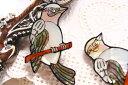 【シェルパーツ】枝の小鳥 1個/貝殻で作られたオールハンドメイドのシェルカボション/手芸やアクセサリーのモチーフパーツに…/30mm..
