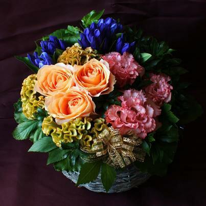 遅れてごめんね 敬老の日 アレンジメント 花 ギフト プレゼント 送料無料 生花 秋色バラとリンドウのフラワーアレンジメント 敬老の日ギフト 敬老の日プレゼント お花 アレンジメントフラワー