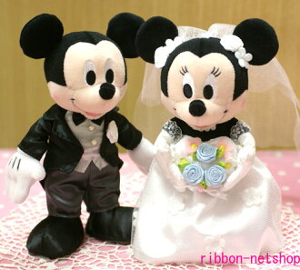 It is wedding Mickey & ミニードレスウェディングセット BM-03 in a wedding ceremony