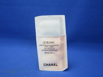 Chanel Le Blanc make-up base # 10 Rosé SPF35/PA++ + 2 ml (one pouch) [in more than 20,000 yen (excluding tax)]