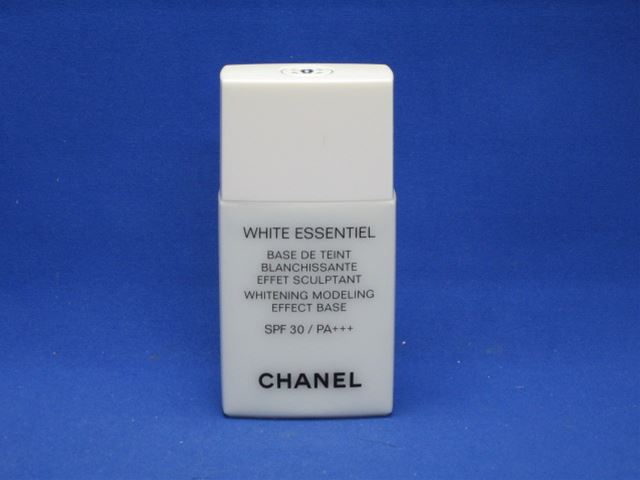 Chanel white esencial makeup base azure [in more than 20,000 yen (excluding tax)]