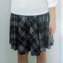 フェミニンなフレアースカートにインナーパンツを付けて、安心さと動きやすさを追求。カットソー素材でシワになりにくくはきやすいのも魅力。インナーパンツ付フレアースカート(S〜LL) ryuryu/リュリュ30代 ファッション レディース