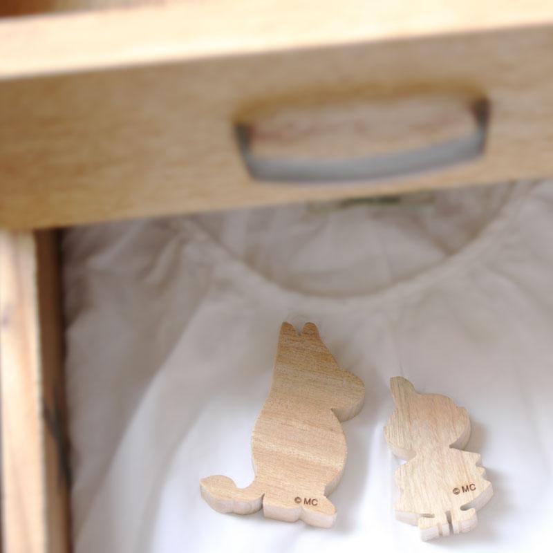 RoomClip商品情報 - 「ムーミン くすのき アロマブロック(2個入り)」【防虫 クスノキ くすのきアロマ 天然 虫除け 虫除 ムーミン 衣類用 玄関 お部屋 消臭 フレグランス MOOMIN かわいい おしゃれ】