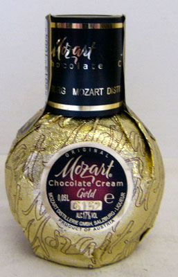 50 ml of Mozart chocolate cream liqueur miniature 17 degrees
