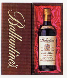 YBE1A Ballantine's 30 years wooden box set