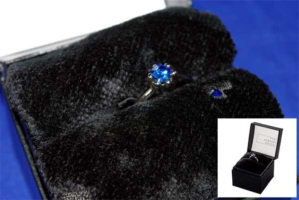 【7TH AVENUE SOUTH】指輪型チャーム付きタオルハンカチ《宅配便限定商品》