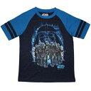 デストルーパーやダースベイダー、ストームトルーパーがプリントされた男の子用の半袖Tシャツです。
