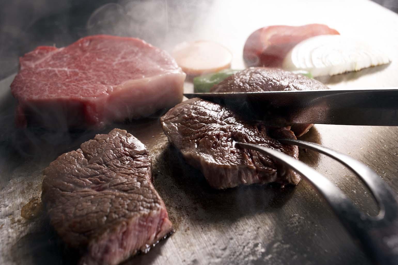 【送料込み】国内産黒毛和牛ロースステーキギフト...の紹介画像2