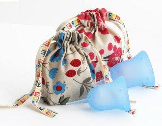 斯昆杯 W 包 () 保存共用有用,朋友,買了兩個。 在生理活動順利進行。 便於使用的衛生棉條或在第三新衛生巾衛生用品日本婦女的月經杯顏色︰ 平衡 (淡紫色)