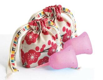 斯昆杯 W 包 () 保存共用有用,朋友,買了兩個。 在生理活動順利進行。 便於使用的衛生棉條或在第三新衛生巾衛生用品日本婦女的月經杯顏色︰ 希望 (粉紅色)