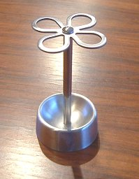 Is the reason for the popularity and ease of cleaning with cuteness!   Toothbrush holder metal clover
