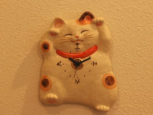 【招き猫、陶器、掛け時計】福々招き猫掛時計【楽ギフ_メッセ】【楽ギフ_メッセ入力】【楽ギフ_のし】 【楽ギフ_のし宛書】