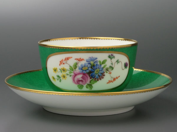 セーブルティーカップ彩色地花紋様V1超希少洋食器 陶磁器フランス SEVRES