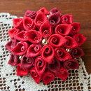 ふくろつまみのブローチ 赤花