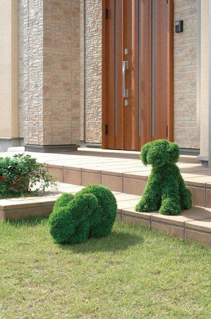 【送料無料♪】イヌ Sサイズ 屋外対応 光触媒加工無し (屋外用人工観葉植物) 高さ45cm (294B270) 【人工観葉植物・造花・フェイクグリーン/屋外用人工観葉植物(※光触媒加工はしておりません)】 かわいい動物の形をしたトピアリーは、お庭づくりに夢を与え、子どもたちにも人気です。