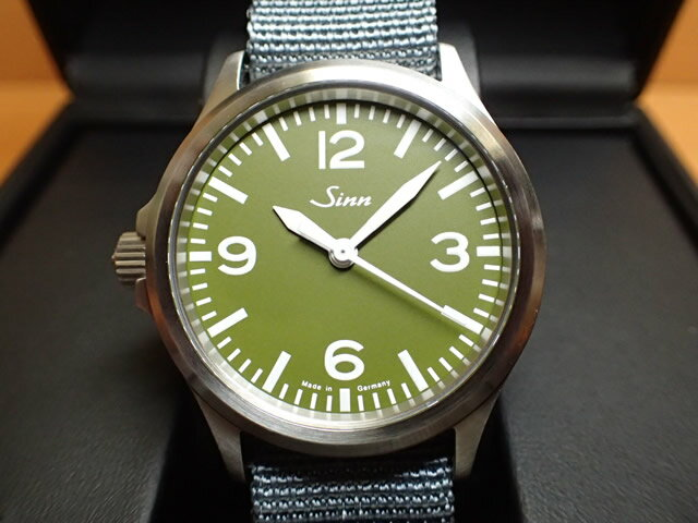 ジン 腕時計 Sinn ジン時計 556.GREEN 日本限定150本しか作られませんでした 優美堂のジン腕時計はメーカー保証つきの正規輸入商品です