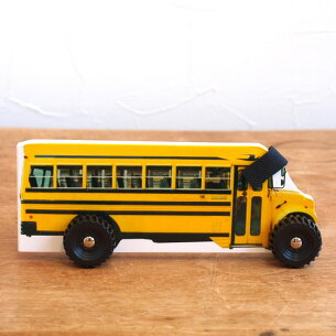 イギリス ウィーリー スクールバス