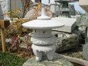 【送料無料】雪見灯篭(1尺・丸型)【御影石】日本庭園の定番商品!!こちらのサイズは坪庭や玄関まわりなどにピッタリです♪【石灯籠】【燈籠】