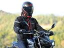 【サイズ】 L 【カラー】 ブラック/レッド 胸部にJMCA推奨プロテクター(SAS-TECソフトプロテクター)を標準装備。肩と肘にはCE規格のハードプロテクターを採用。軽くソフトな生地に通気性の良いメッシュを組み合わせた、夏に最適なメッシュジャケット! 軽快な着心地と安全性を両立させました。フード着脱可能。