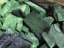 ラオス備長炭、荒上割(特割大)15kgx6−−90kg、1送料、焼き肉、焼き鳥、炭焼き料理 はじきにくい備長炭です。リーズナブルで扱いやすく、とても人気のある商品です。火付きも早くて焼肉屋さんや、バーベキュー等にも最適です