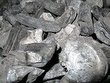 Laos, charcoal, 荒上 small 15kgx4--is made in Laos, 60 kg, 1 shipping, 5-10 Cm, Japan's traditional manufacturing technology based on charcoal. That caught fire is good, smokeless, playing the little peach. It is now rapidly growing demand for coal.