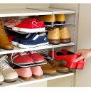 ヒール靴から子供靴まで、家族全員の靴を靴箱内でコンパクトに収納。下駄箱、シューズラック内...
