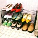玄関の靴収納に。幅が伸縮でき、子供靴、婦人靴、紳士靴が片付きます。2段に積み重ねできます。...