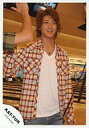【中古】生写真(男性)/アイドル/KAT-TUN 赤西仁/膝上/チェックシャツ/ボウリング/ハイタッチ【10P06may13】【fs2gm】【画】
