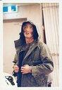 【中古】生写真(ジャニーズ)/アイドル/SMAP SMAP/木村拓哉/上半身/カーキ色ジャケット/目線上/両手服
