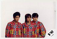 【中古】生写真(ジャニーズ)/アイドル/V6 V6/森田・三宅・岡田/<strong>Coming</strong><strong>Century</strong>/横型/赤チェック衣装/目線右