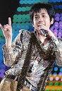 【中古】生写真(ジャニーズ)/アイドル/嵐 嵐/二宮和也/ライブフォト・上半身・衣装豹柄・左手マイク・右手指2本立て・目線左・枠無し/嵐 AAA in Tokyo ARASHI AROUND ASIAコンサート