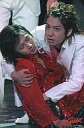 【中古】生写真(ジャニーズ)/アイドル/Kinki Kids Kinki Kids/堂本光一 生田斗真/ライブフォト 光一衣装赤 倒れる/「Endless SHOCK」/2Lサイズ公式生写真