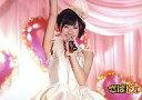 【中古】生写真(AKB48 SKE48)/アイドル/AKB48 渡辺麻友/横型 上半身 衣装白 左手マイク 右手上げ/DVD「さばドル」購入特典