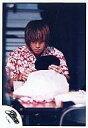 【中古】生写真(男性)/アイドル/SMAP SMAP/中居正広/上半身・赤色の花柄シャツ・左手鏡・目線下/公式生写真【10P06may13】【fs2gm】【画】