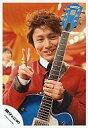 【中古】生写真(ジャニーズ)/アイドル/関ジャニ∞ 関ジャニ∞/安田章大/バストアップ・衣装赤・左手ギター・右手ピース/公式生写真