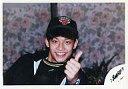【中古】生写真(ジャニーズ)/アイドル/SMAP SMAP/香取慎吾/横型・バストアップ・衣装黒・帽子・左手親指立て・背景花柄/公式生写真