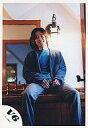 【中古】生写真(ジャニーズ)/アイドル/V6 V6/坂本昌行/座り・上着紺・インナー青・笑顔・背景室内・鏡/公式生写真【タイムセール】【画】