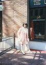 【中古】生写真(女性)/アイドル 早見優/全身・衣装ピンク・右手バッグ・背景野外/生写真