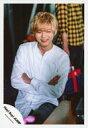 【中古】生写真(ジャニーズ)/アイドル/Hey!Say!JUMP Hey!Say!JUMP/薮宏太/膝上・座り・衣装白・腕組み・笑顔/「Fantastic Time」PV&ジャケ写撮影/公式生写真【タイムセール】