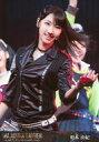 【中古】生写真(AKB48・SKE48)/アイドル/AKB48 柏木由紀(ブラック)/ライブフォト・上半身・衣装黒・左手上げ・笑顔/DVD・Blu-ray「舞台「マジすか学園」〜Lost In The SuperMarket〜」封入特典生写真
