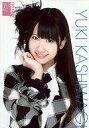 【中古】生写真(AKB48 SKE48)/アイドル/AKB48 柏木由紀/バストアップ 衣装白 黒 チェック柄 右手顎/AKB48オフィシャルショップ(原宿)限定A4サイズ生写真ポスター 第22弾