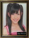【中古】フォトフレーム アルバム(女性) 渡辺麻友(AKB48) レプリカ歴代劇場壁写真 額付き 2009年 「渡辺麻友 卒業コンサート〜みんなの夢が叶いますように〜×神の手」