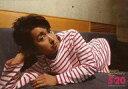 【中古】生写真(ジャニーズ)/アイドル/嵐 嵐/大野智/横型・膝上・寝そべり・衣装白赤・右手頭・by SHO/「ARASHI ANNIVERSARY LIVE TOUR 5×20」超超オリジナルフォト