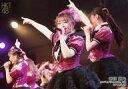 【中古】生写真(AKB48・SKE48)/アイドル/HKT48 岩花詩乃/ライブフォト・横型・膝上・衣装ピンク・黒・右手人差し指立て・左手マイク/HKT48 R24「博多リフレッシュ」ランダム生写真 2019.3.25