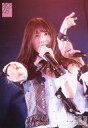 【中古】生写真(AKB48・SKE48)/アイドル/AKB48 永野恵 /ライブフォト・上半身・衣装白・赤・グレー・チェック柄・右手伸ばし・左手マイク・ライト赤/AKB48 チームK「RESET」 公演 ランダム生写真 2019.6.11
