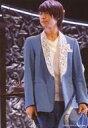 【エントリーでポイント10倍!(9月11日01:59まで!)】【中古】生写真(ジャニーズ) Travis Japan/阿部顕嵐/ライブフォト・膝上・衣装青・白・右手マイク・左手帽子・顔左向き・目線左/「近藤真彦 35周年ツアー 2015」ステージフォト